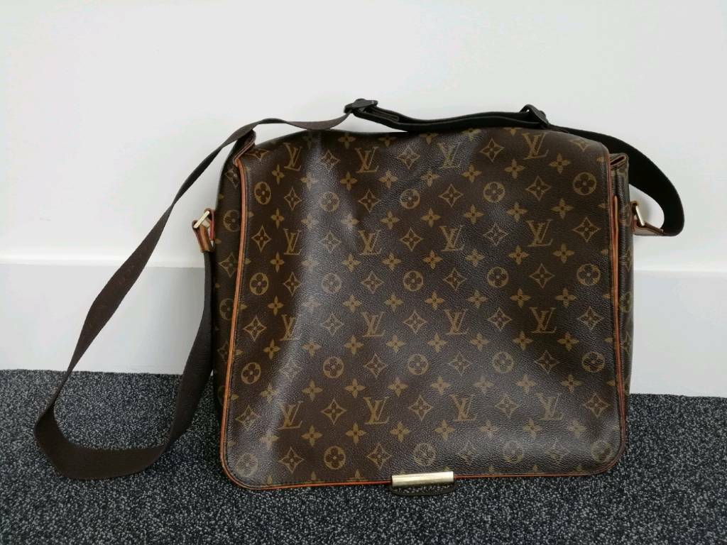 76dc6f60cf4b7 Louis Vuitton Men shoulder bag - District MM Monogram