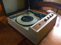 RGD VINTAGE RECORD PLAYER