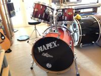 Pearl Masters MCX Series in Chesnut Fade. Mapex soft cases optional extra; £10