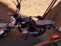 125cc Motorbike Lexmoto ZSF - Driven under 70 miles - inc Oxford Chain. All nearly new