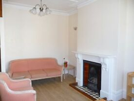 ONE DOUBLE BEDROOM FLAT IN PERIOD CONVERSION TO RENT