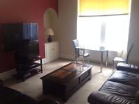 Large 2 Double Bedroom Flat, Rosemount Viaduct - Available Immediately