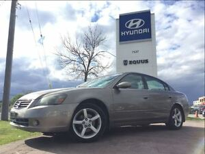 2005 Nissan Altima 3.5 SE - LEATHER INTERIOR, HEATED SEATS