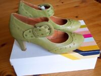 Ladies Green Leather Mid heel Shoes, Size 5