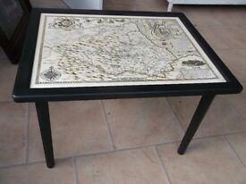 LOVELY VINTAGE TABLE WITH JOHN SPEED ANTIQUE BISHOPRICK AND CITIE OF DURHAM WIPE CLEAN MAP TOP