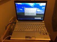 Toshiba Portege R500 , Intel U7700 1,33Ghz, 2GB Ram , 80HDD