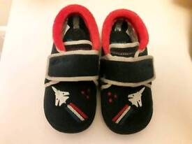 Clarks Jet Slippers Size 8+1/2 G