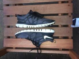 Men's size 7 Nike running tainers