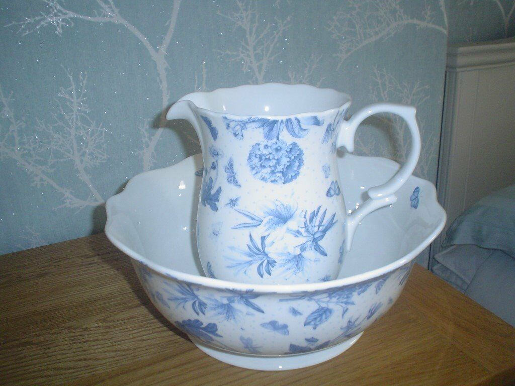 PORTMEIRION JUG AND BOWL AS NEW (CAN BE SOLD SEPARATELY)