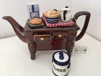 Collectors tea pot