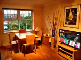 Executive 2-bed, 2 bathroom Flat close to WOKING Town-FURNISHED+BILLS+ SECURED PARKING+ BROADBAND
