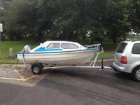 Cabin cruisertrailer outboard boat