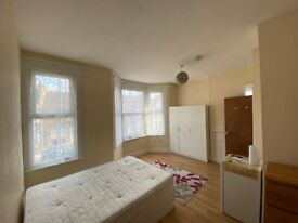 Spacious double room with ensuite in Thornton Heath. ALL BILLS INCLUDED except electricity.