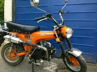 Skyteam Skymax 125 motorbike monkey bike Honda dax copy.