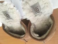 MEN'S UGG SLIPPERS SIZE UK8 (euro 42)