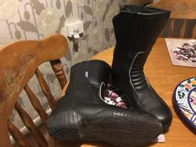 Size 5 leather bike boots
