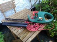 QUALCAST ELECTRIC HEDGE TRIMMER GOOD WORKING ORDER
