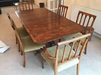Lovely vintage dining table (solid yew wood) with 6 matching chairs