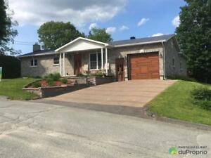 235 000$ - Bungalow à vendre à Windsor