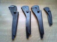 FOOTPRINTS adjustable pipe grips x 4