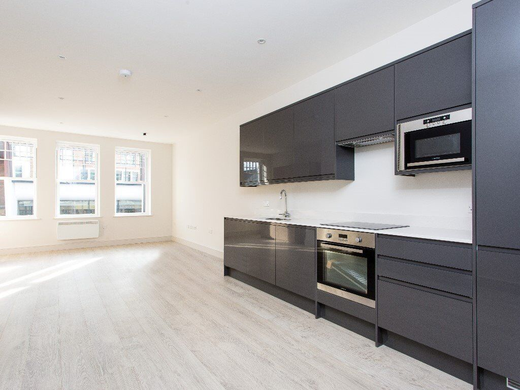 Newly Refurbished Large Studio Flat Perfect For Couple Mins Away From Tooting Broadway Tube Station