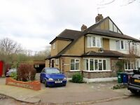 3 bedroom semi detached house in Great Bushey Drive, Totteridge and Whetstone N20 £1995pcm