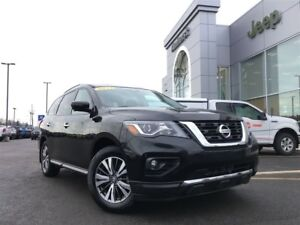 2017 Nissan Pathfinder SL 4WD, Leather, 7 Passenger, Low payment