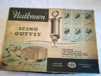 1950s Complete Vintage Icing Set