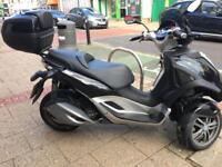 STUNNING PIAGGIO MP3 YOURBAN 300cc black 2011 not vespa hpi clear!!