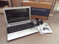 Samsung RV520 Laptop Mem 4GB HD 500GB Windows 7 64 bit