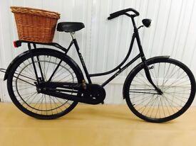 Super Beautiful Lightweight OMA Bike, Fully Serviced, Medium, Brand New Wicket basket
