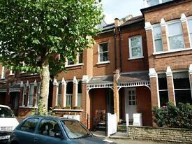 2 bedroom flat in Fortis Green Avenue, East Finchley, N2