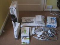 Wii console including games and accessories