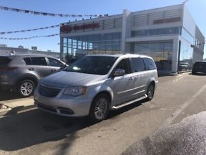 2011 Chrysler Town & Country Limited ONE OWNER WOW