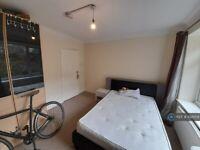3 bedroom flat in Wellington Road, Brighton, BN2 (3 bed) (#1021204)