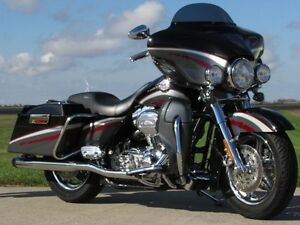 2006 harley-davidson FLHTCUSE4 CVO Ultra Classic Electra Glide   London Ontario image 1