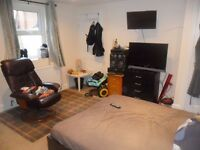 Ensuite Double Room Available to Rent