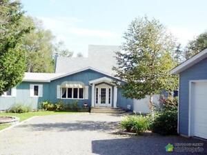 385 000$ - Domaine et villa à vendre à Chandler
