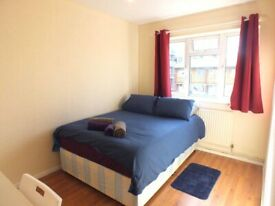 (P) NO FEES! SINGLE ROOM NEAR TO LIMEHOUSE STATION ZONE 2 - £125pw