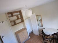 Nice room for one person in a nice ,clean hause with big garden...no bills!!!!£560