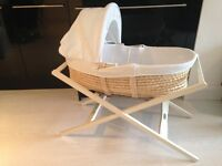 Mamas & Papas Classic Moses Basket with Stand (White) - incl. spare fitted sheets