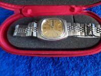 VINTAGE OMEGA AUTOMATIC DAY / DATE WATCH.