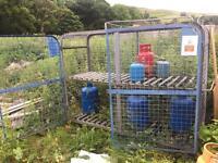 Gas cylinder bottle cage