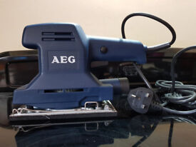 Brand new never used AEG VSS 260 electric sander. 260W 220-240V