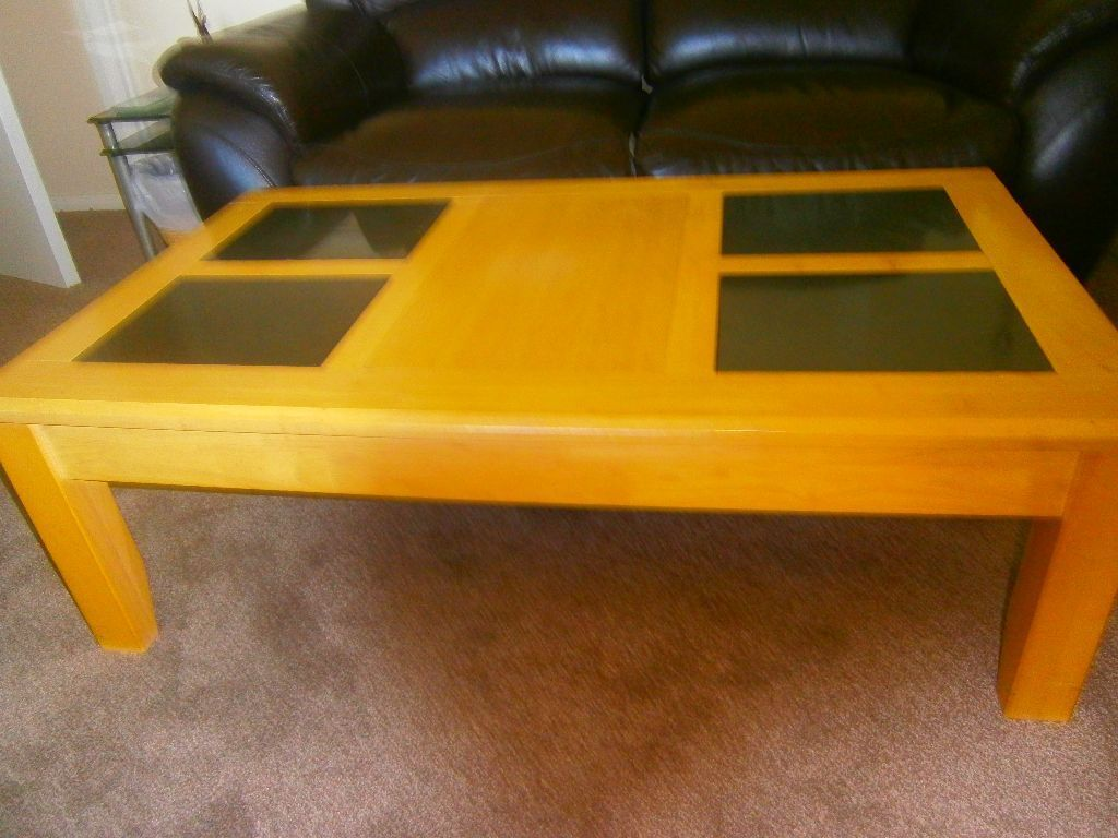 Solid wood coffee table in madeley cheshire gumtree for Coffee tables gumtree