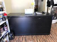 Shop counter / Reception desk