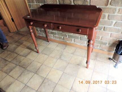 ANTIQUE AND VINTAGE FURNITURE, COLLECTABLES, FARM CLEARING SALE