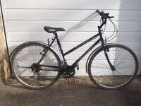 ladies ammaco 700 wheels hybrid bike full mudguards, all works fine light and fast