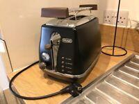 DeLonghi 2slice toaster(Cto2013 black)
