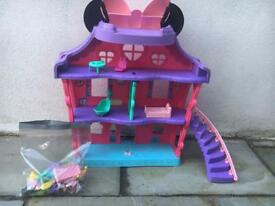 Minnie Mouse doll house